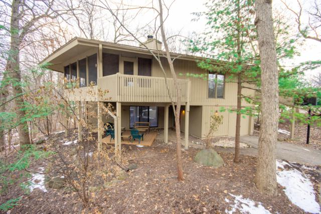 401B Abbey Springs Dr, Fontana, WI 53125 (#1616718) :: RE/MAX Service First