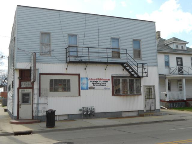 1950 Racine St, Racine, WI 53403 (#1618540) :: Vesta Real Estate Advisors LLC