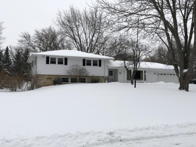 17745 Evergreen Ct, Brookfield, WI 53045 (#1621075) :: Tom Didier Real Estate Team