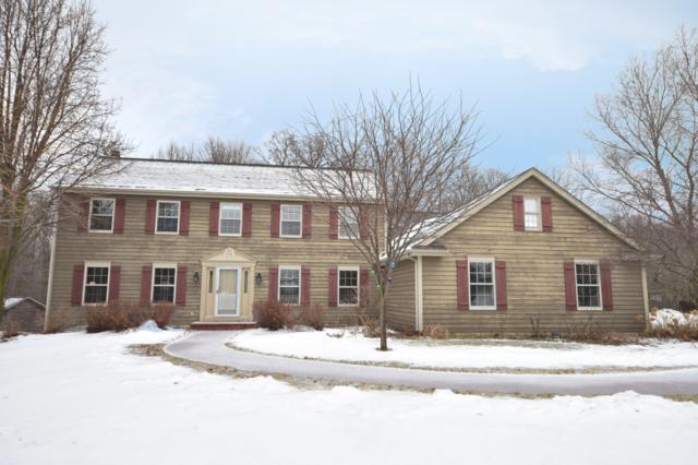 10554 Ridgefield Ct, Cedarburg, WI 53012 (#1622020) :: Tom Didier Real Estate Team