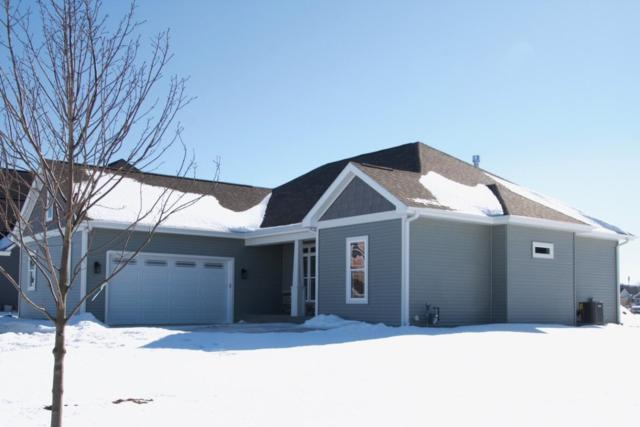 525 Woodlawn Dr, Williams Bay, WI 53191 (#1622918) :: RE/MAX Service First Service First Pros
