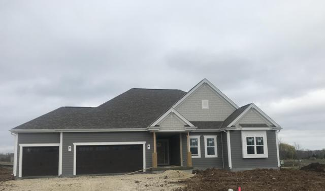 8900 W Eagle Ct, Mequon, WI 53097 (#1625163) :: eXp Realty LLC