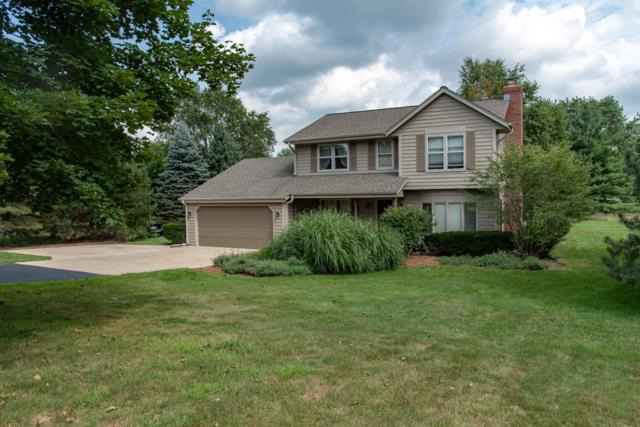 W298S5730 Cliffside Ct, Genesee, WI 53189 (#1625946) :: eXp Realty LLC