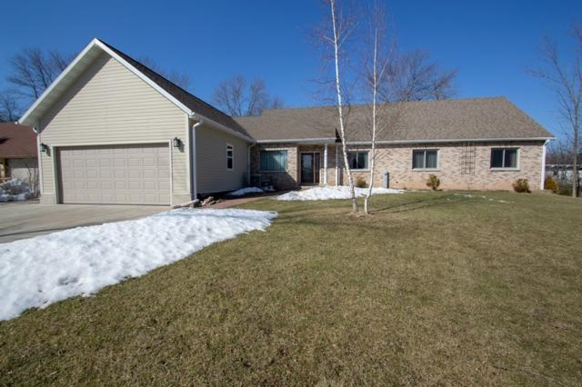 8209 N Port Washington Rd, Fox Point, WI 53217 (#1626216) :: eXp Realty LLC