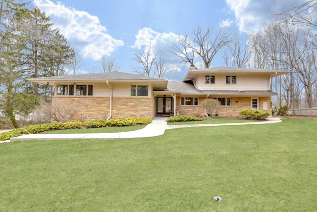 4726 W Parkview Dr, Mequon, WI 53092 (#1630914) :: Tom Didier Real Estate Team