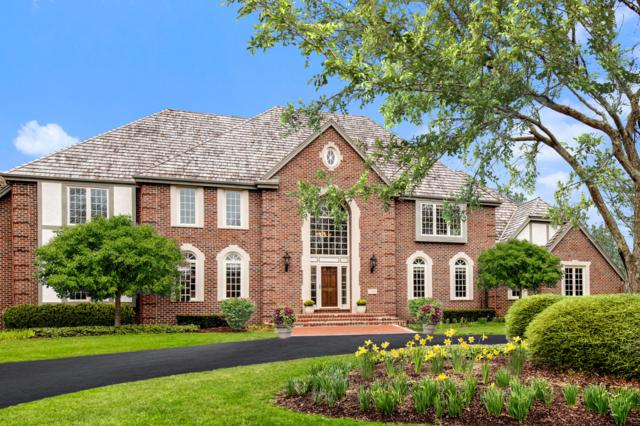 2146 W Columbia Dr, Mequon, WI 53092 (#1633781) :: Tom Didier Real Estate Team