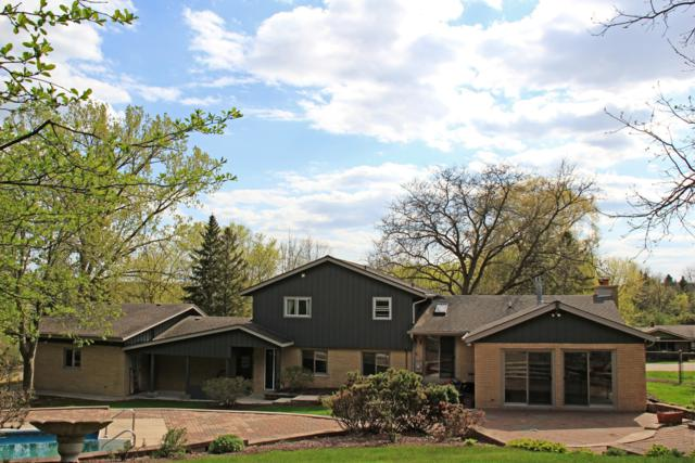 120 Avie Ct, Brookfield, WI 53045 (#1637683) :: RE/MAX Service First Service First Pros