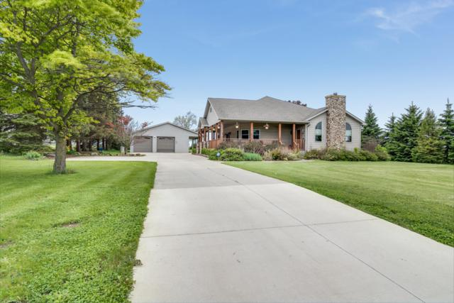 1404 Colony S Ave, Yorkville, WI 53182 (#1639629) :: Keller Williams