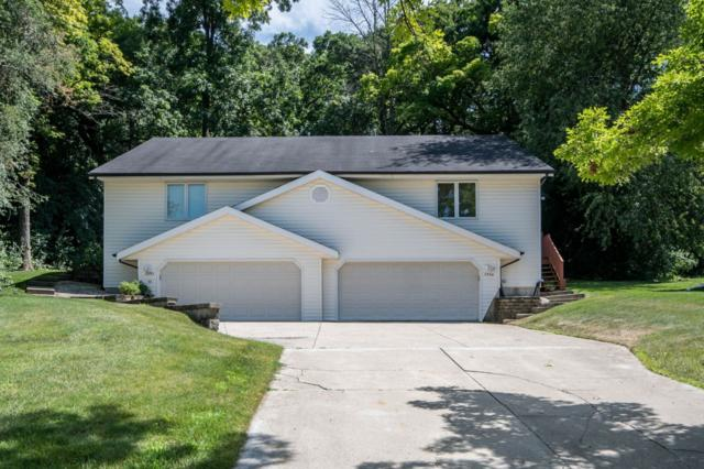 2552 Pebble Valley Rd #2554, Waukesha, WI 53188 (#1649377) :: RE/MAX Service First Service First Pros