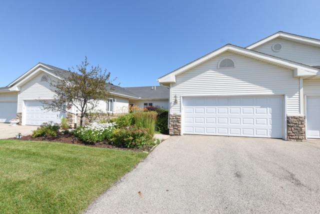321 Creekside Pl #31, Delavan, WI 53115 (#1649969) :: Tom Didier Real Estate Team