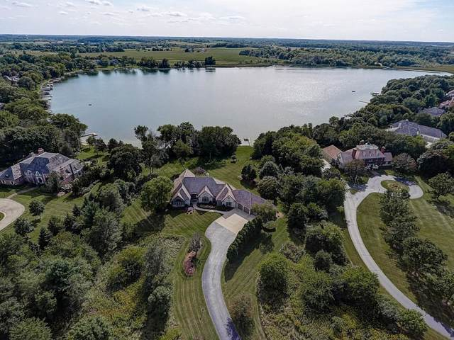 N76W36221 Saddlebrook Ln, Oconomowoc, WI 53066 (#1657740) :: Tom Didier Real Estate Team