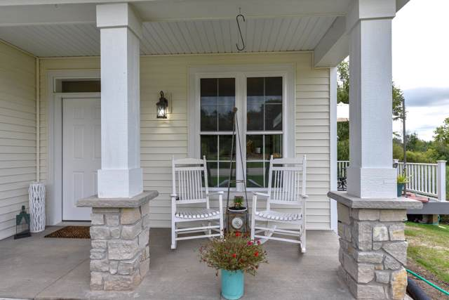 18 Briarknoll Cir, Saukville, WI 53080 (#1658006) :: Tom Didier Real Estate Team