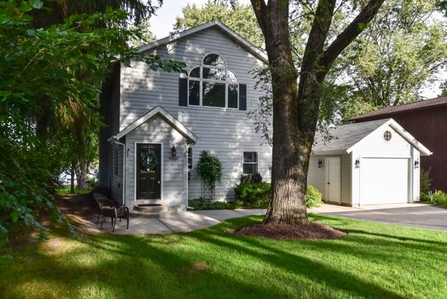9652 271st Ave, Salem Lakes, WI 53179 (#1658700) :: RE/MAX Service First Service First Pros