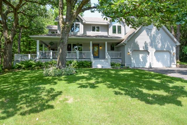 S43 W27140 Country Ln, Waukesha, WI 53189 (#1658987) :: RE/MAX Service First Service First Pros