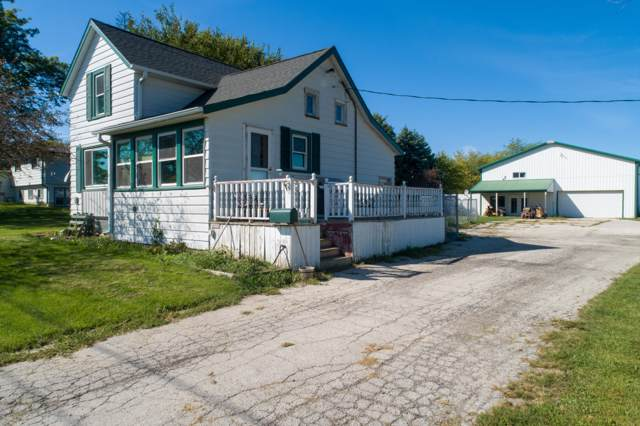 14034 58th Rd, Yorkville, WI 53177 (#1659071) :: Tom Didier Real Estate Team