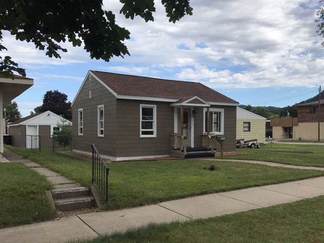 2225 Park Ave, La Crosse, WI 54601 (#1659101) :: RE/MAX Service First Service First Pros