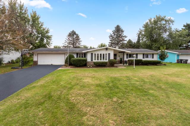 139 Knoll Rd, Walworth, WI 53184 (#1659227) :: Tom Didier Real Estate Team
