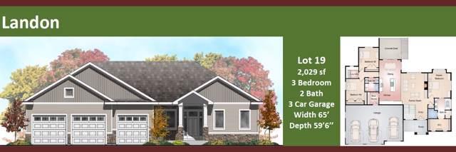 N50W19969 Tamarind Way, Menomonee Falls, WI 53051 (#1659587) :: Tom Didier Real Estate Team