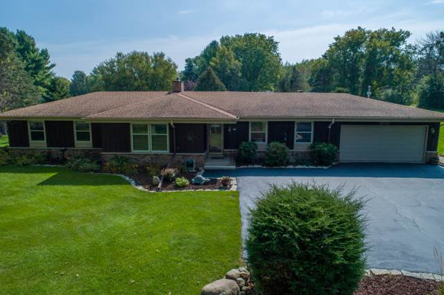627 Criglas Rd, Wales, WI 53183 (#1660136) :: RE/MAX Service First Service First Pros