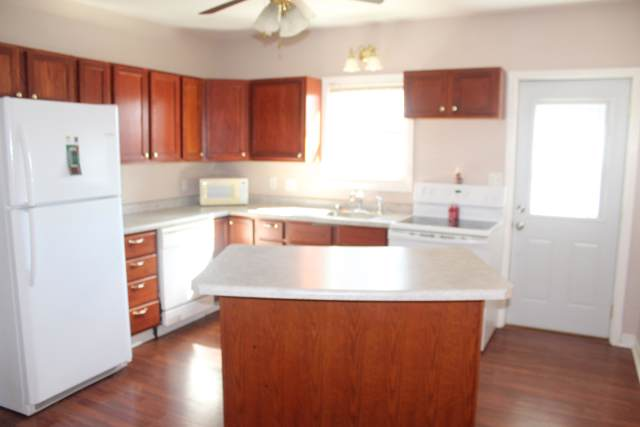 2710 Forest Ave, Two Rivers, WI 54241 (#1662858) :: eXp Realty LLC