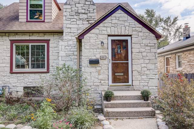 2001 W Kendall Ave, Glendale, WI 53209 (#1662881) :: Tom Didier Real Estate Team