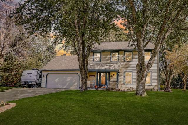 12728 N Forest Ct, Mequon, WI 53092 (#1664462) :: Tom Didier Real Estate Team
