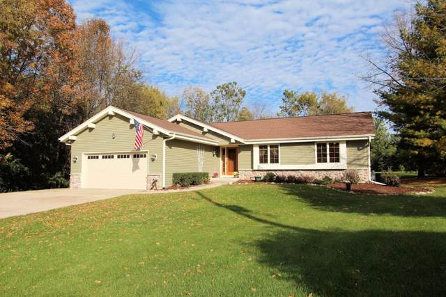 N83W29272 Florencetta Hts, Merton, WI 53029 (#1664625) :: RE/MAX Service First Service First Pros