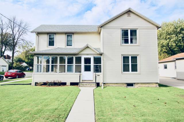 500 N Washington St, Watertown, WI 53098 (#1664784) :: RE/MAX Service First Service First Pros