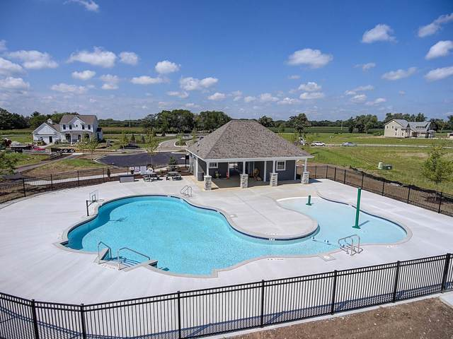 3233 Castle Rock Dr Lt176, Summit, WI 53066 (#1666126) :: Tom Didier Real Estate Team