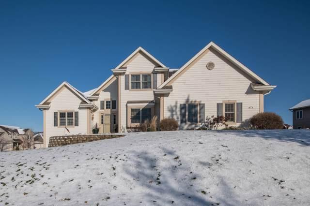 519 Oakmont Dr, Waukesha, WI 53188 (#1667609) :: Tom Didier Real Estate Team