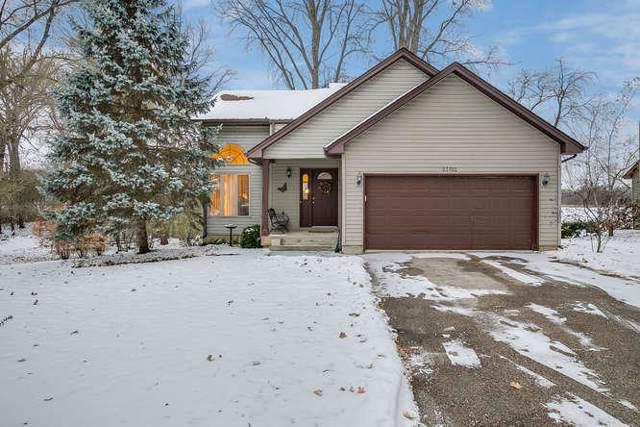 23702 80th Pl, Salem Lakes, WI 53168 (#1668016) :: Tom Didier Real Estate Team