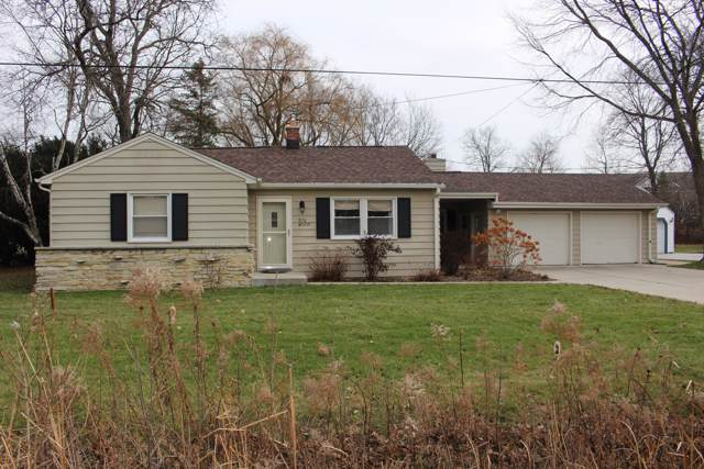S76W19221 Sunset Dr, Muskego, WI 53150 (#1669116) :: Keller Williams Realty - Milwaukee Southwest