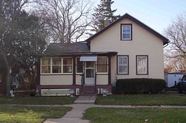 1112 S 8th St, Watertown, WI 53094 (#1669810) :: RE/MAX Service First Service First Pros