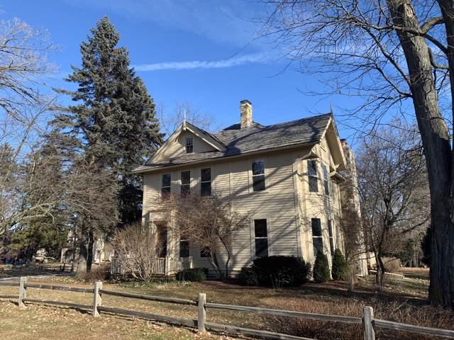 W59N894 Sheboygan Rd, Cedarburg, WI 53012 (#1671367) :: Tom Didier Real Estate Team