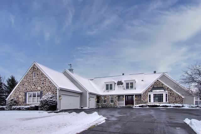 7929 Sherman Ct, Cedarburg, WI 53012 (#1671488) :: Tom Didier Real Estate Team