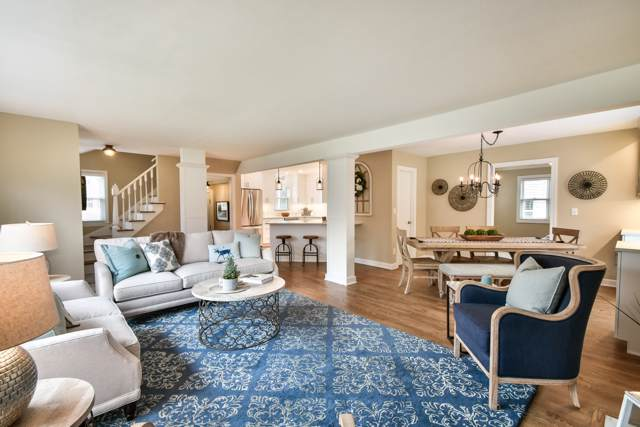 627 E Birch Ave, Whitefish Bay, WI 53217 (#1672193) :: Tom Didier Real Estate Team
