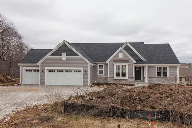 W220S3955 Crestview Ct, Waukesha, WI 53189 (#1672285) :: Tom Didier Real Estate Team