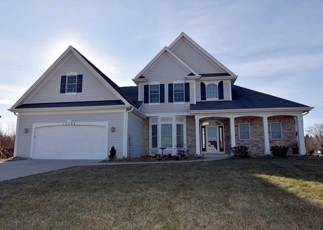 10365 S Willow Creek Dr, Oak Creek, WI 53154 (#1672485) :: RE/MAX Service First Service First Pros