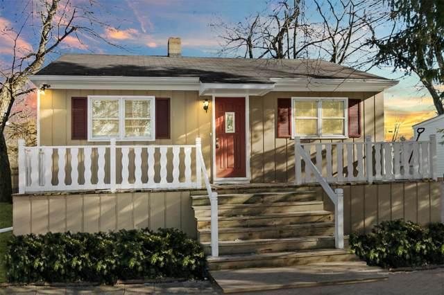 12017 258th Ave, Salem Lakes, WI 53179 (#1673928) :: Tom Didier Real Estate Team