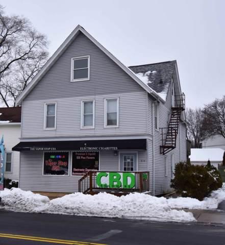 414 S Main St, West Bend, WI 53095 (#1675027) :: Tom Didier Real Estate Team