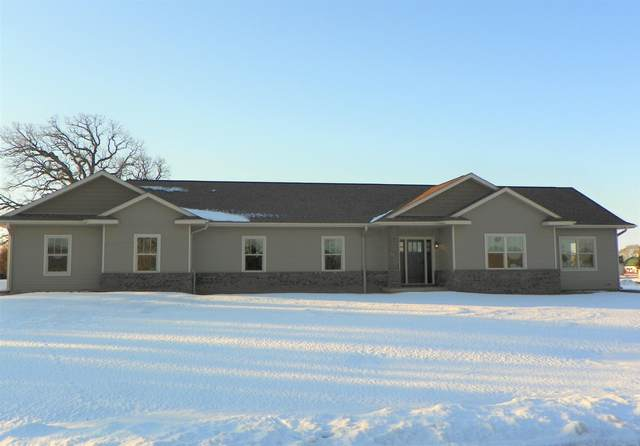 37489 91st St, Randall, WI 53181 (#1675891) :: RE/MAX Service First Service First Pros
