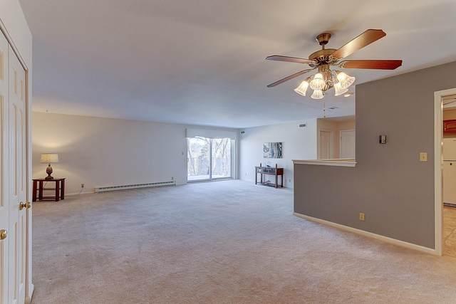13335 Watertown Plank Rd #315, Elm Grove, WI 53122 (#1677811) :: Keller Williams Momentum