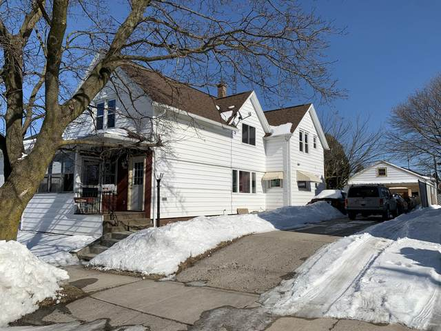 1225 S 18th St, Manitowoc, WI 54220 (#1677879) :: RE/MAX Service First Service First Pros