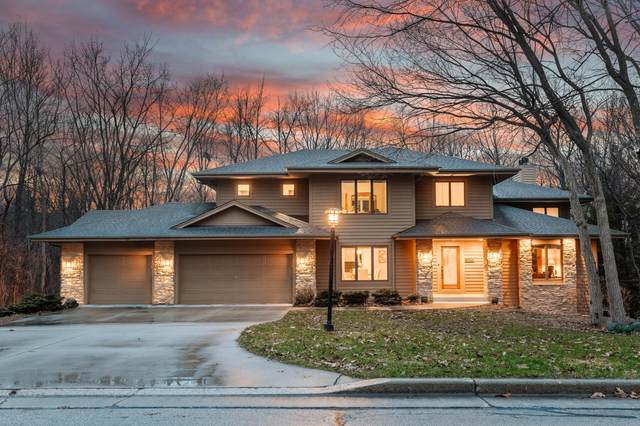 12060 W Whitaker Ave, Greenfield, WI 53228 (#1681222) :: Tom Didier Real Estate Team