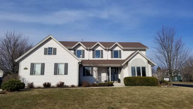 N50W17046 Maple Crest Ln, Menomonee Falls, WI 53051 (#1682026) :: Tom Didier Real Estate Team