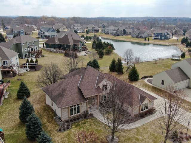 W244N2780 Single Tree Dr, Pewaukee, WI 53072 (#1682390) :: RE/MAX Service First Service First Pros