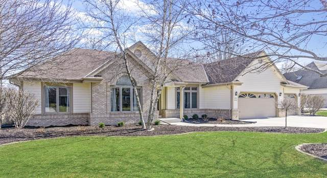 W263N2336 Deer Haven Dr, Pewaukee, WI 53072 (#1682564) :: RE/MAX Service First Service First Pros