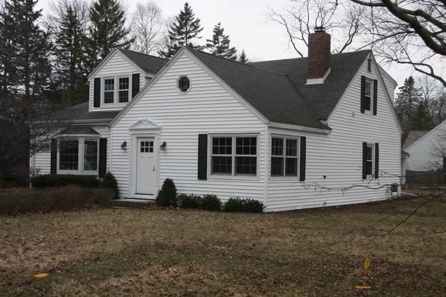 7539 N Bell Rd, Fox Point, WI 53217 (#1682874) :: Tom Didier Real Estate Team