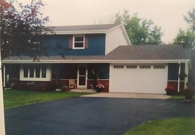 11945 W Somerset Dr, Franklin, WI 53132 (#1683350) :: RE/MAX Service First Service First Pros