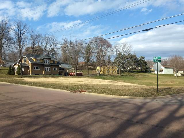 512 N 4th Ave N, Onalaska, WI 54650 (#1683695) :: RE/MAX Service First Service First Pros